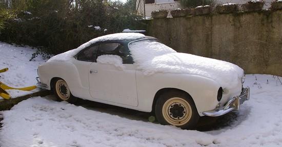 Karmann Ghia sous la neige